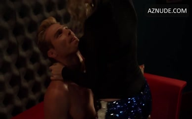 MATTHEW NOSZKA in Star