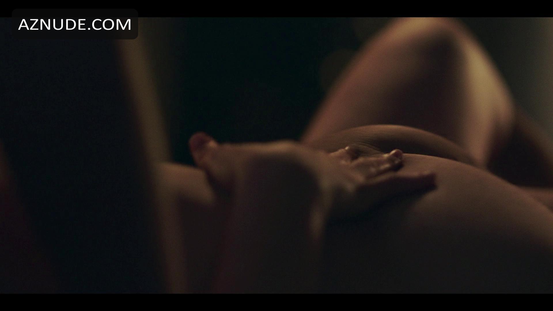Celeb Gerard Butler Nude Scene Pics