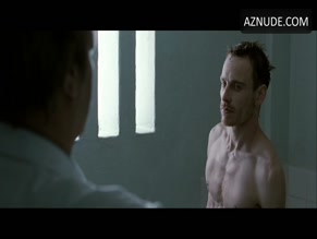 MICHAEL FASSBENDER in HUNGER(2008)