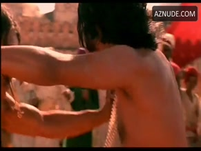 NAVEEN ANDREWS in KAMA SUTRA - A TALE OF LOVE(1996)