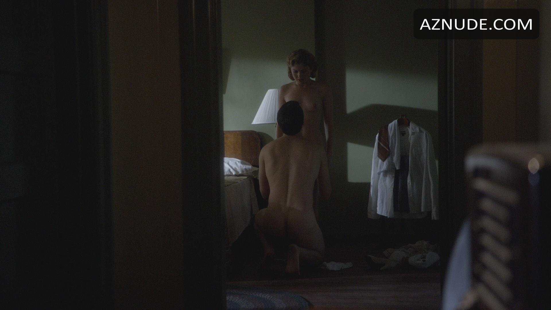 rachel tease nude pussy