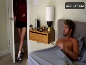 NICK BATEMAN NUDE/SEXY SCENE IN THE MATCHMAKER'S PLAYBOOK