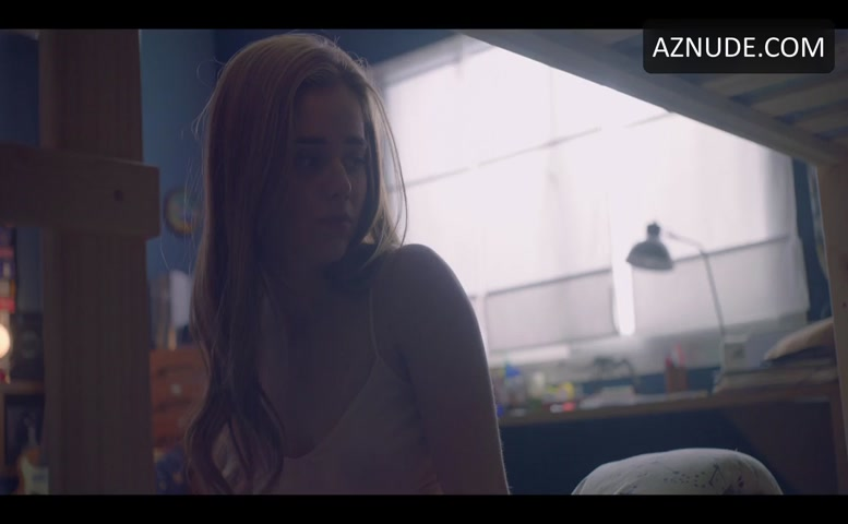 Nil Cardoner Butt Scene In The Hockey Girls - Aznude Men-7392