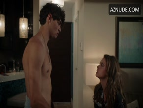 NOAH CENTINEO in THE FOSTERS(2013)