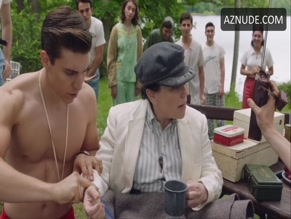 NOLAN GERARD FUNK NUDE/SEXY SCENE IN THE MARVELOUS MRS. MAISEL