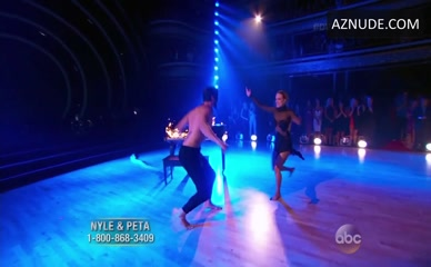 NYLE DIMARCO in Dancing With The Stars
