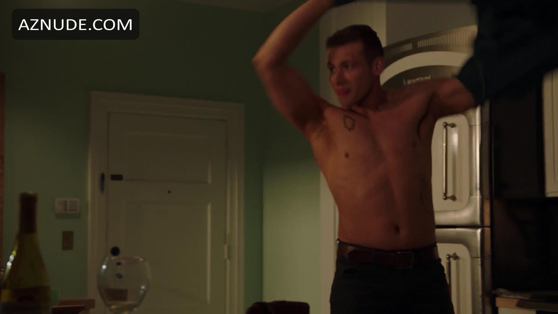 Oliver stark nackt