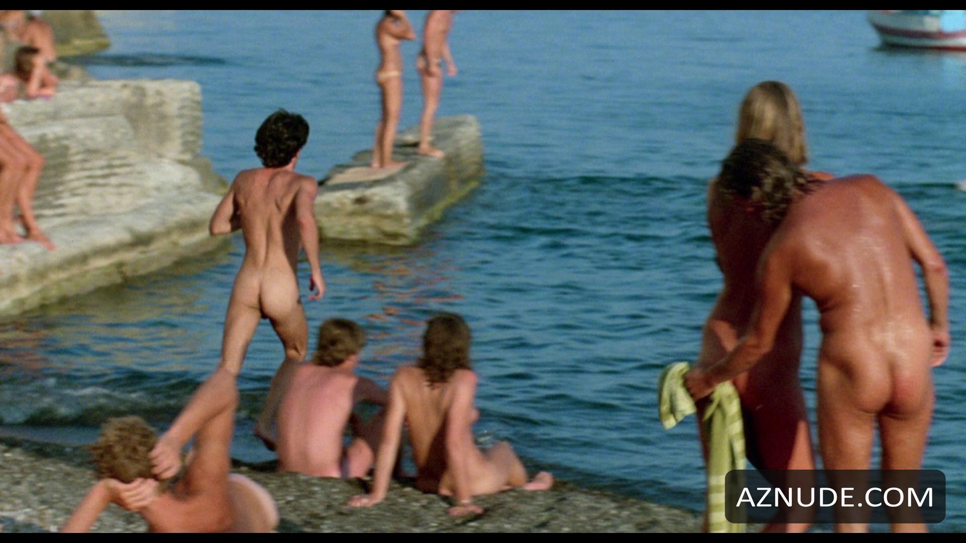 Many girls naked toilet