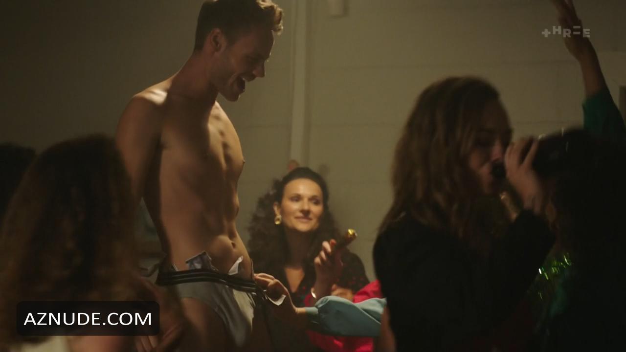 nude babe shower big ass