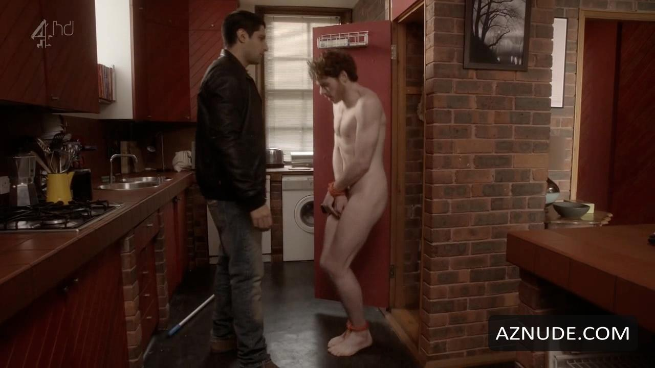 Superstar Henry Thomas Nude Pic