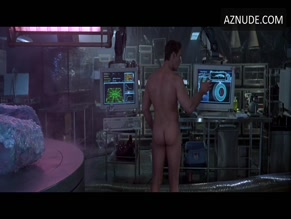 RUSSELL CROWE NUDE/SEXY SCENE IN VIRTUOSITY