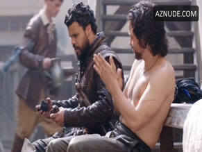 SANTIAGO CABRERA in THE MUSKETEERS(2014)