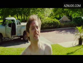 THOMAS MIDDLEDITCH NUDE/SEXY SCENE IN SEARCH PARTY
