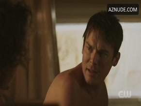 TYLER BLACKBURN NUDE/SEXY SCENE IN ROSWELL, NEW MEXICO