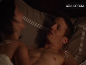 WILL ESTES NUDE/SEXY SCENE IN BLUE BLOODS