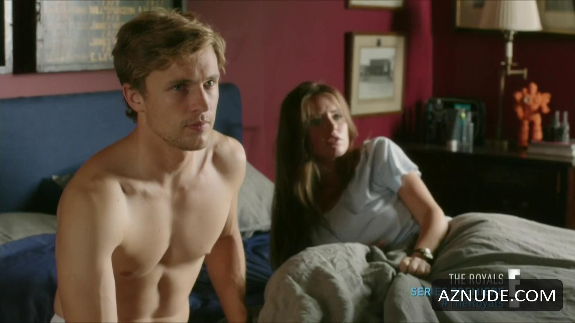 William moseley as peter naked