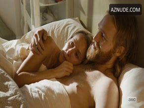 WYATT RUSSELL NUDE/SEXY SCENE IN LODGE 49