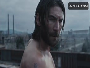 ZACH MCGOWAN NUDE/SEXY SCENE IN DEATH RACE 4: BEYOND ANARCHY